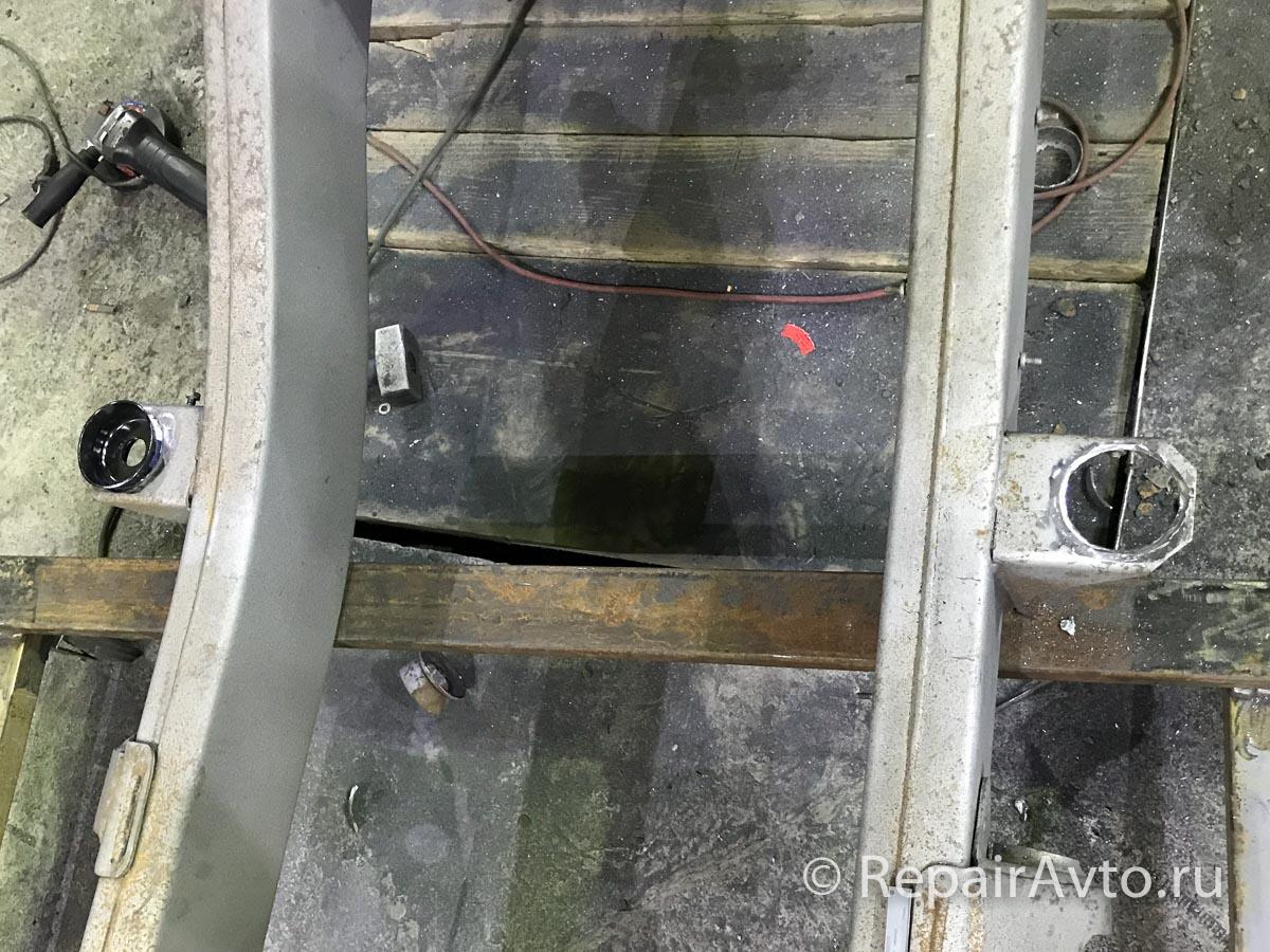 Замена гильз крепежа кузова MERCEDES-BENZ A4603100075