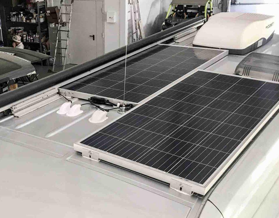 Установка панелей солнечных батарей на Mercedes Sprinter Grand Canyon 5