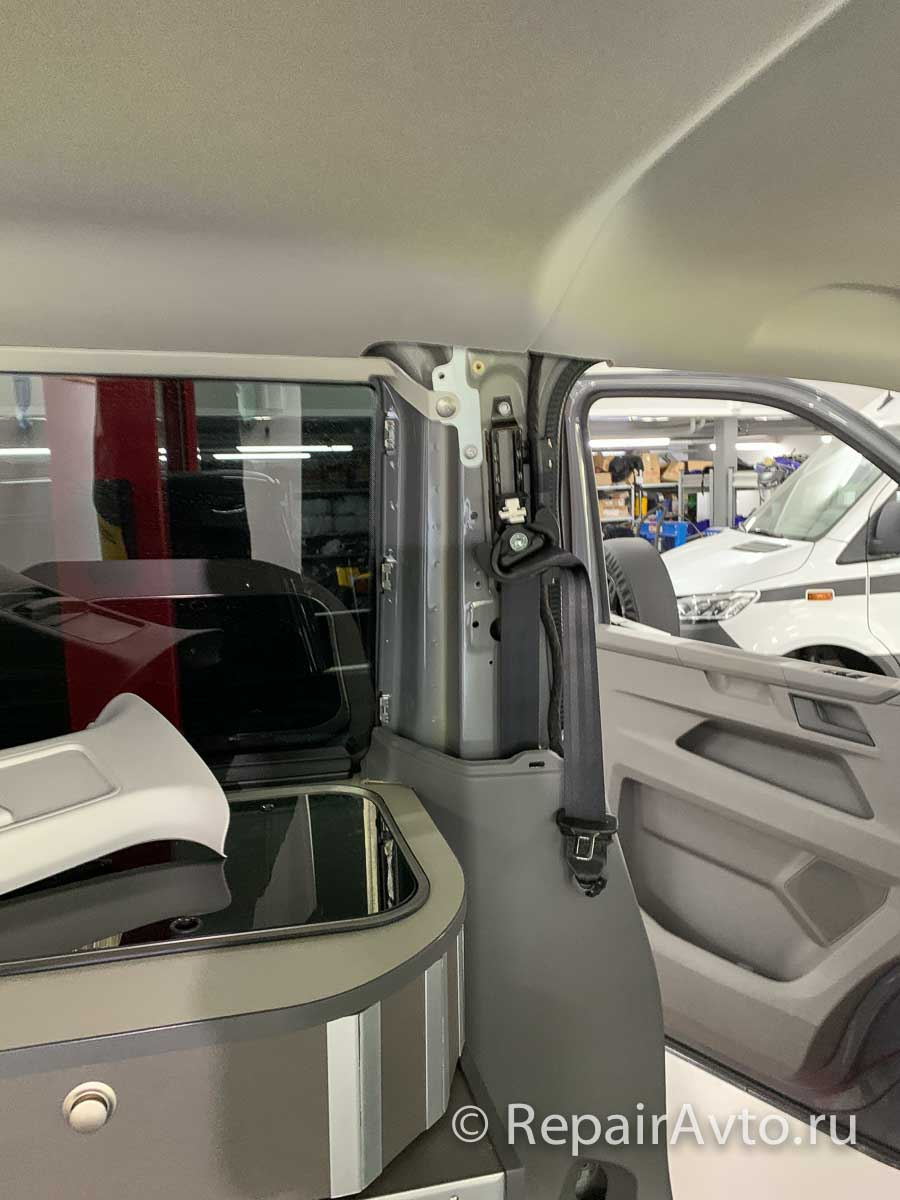Установка обшивки Volkswagen Caravelle
