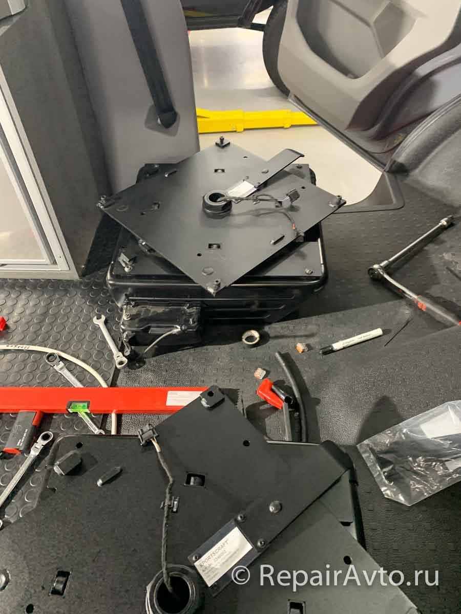 Установка поворотной опорной плиты сиденья Sportscraft 3348002