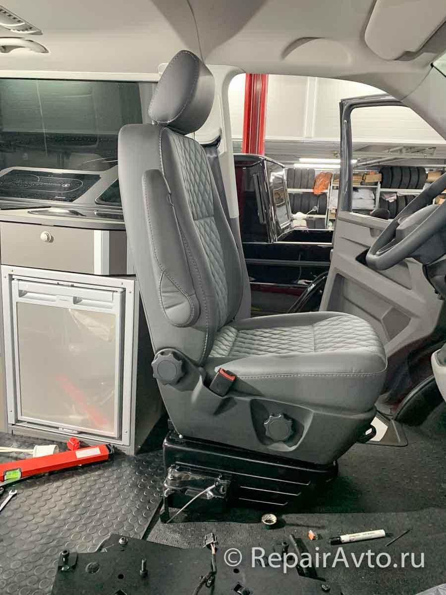 Установка сиденья на поворотную опорную плиту Sportscraft 3348002